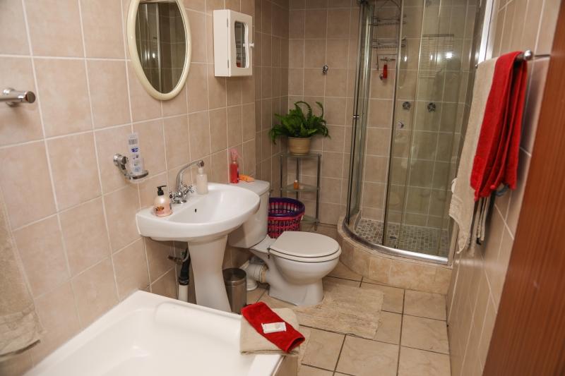 room-3-bathroom