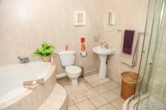 room-2-bathroom