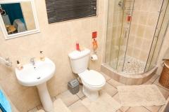 room-8-bathroom